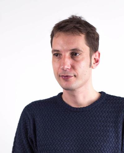 tom_portrait_tab.jpg
